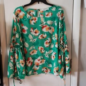 Rose and olive flower top